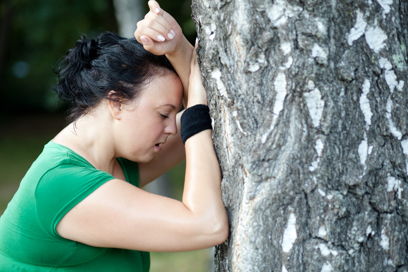 photodune-1483578-sweaty-overweight-woman-catching-her-breath-after-a-long-run-shallow-dof-m